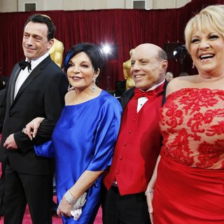 Liza Minnelli, Joey Luft, Lorna Luft in The 86th Annual Oscars - Red Carpet Arrivals