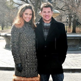 Vanessa Minnillo, Nick Lachey in Vanessa Minnillo and Nick Lachey Share The Love with Nivea