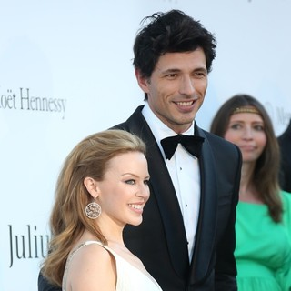Kylie Minogue, Andres Velencoso in 66th Cannes Film Festival - amfAR's 20th Annual Cinema Against AIDS - Arrivals