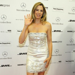 Mira Sorvino in Mercedes-Benz Fashion Week Berlin Spring-Summer 2012 - Basler - Arrivals - mira-sorvino-mercedes-benz-fashion-week-berlin-spring-summer-2012-02