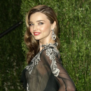Miranda Kerr in 2013 Vanity Fair Oscar Party - Arrivals