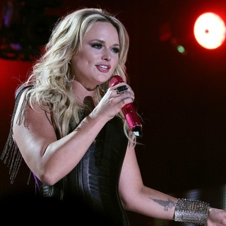 Pistol Annies in 2012 CMA Music Festival Performances - Day 1 - miranda-lambert-2012cma-music-festival-performances-day-1-08