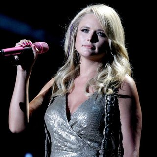 Miranda Lambert - The Final Night of The 2011 CMA Music Festival Nightly Concerts