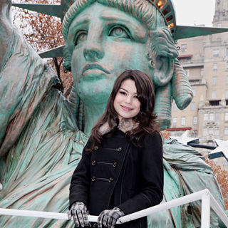 Miranda Cosgrove in 84th Macy's Thanksgiving Day Parade