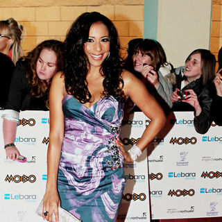 Su-Elise Nash in MOBO Awards 2010