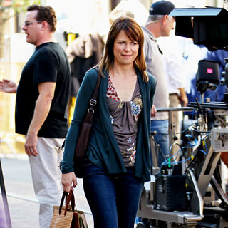 Mary Lynn Rajskub in Filming ABC's 'Modern Family' on Location
