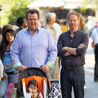 Eric Stonestreet, Ella Hiller, Jesse Tyler Ferguson in Filming ABC's 'Modern Family' on Location