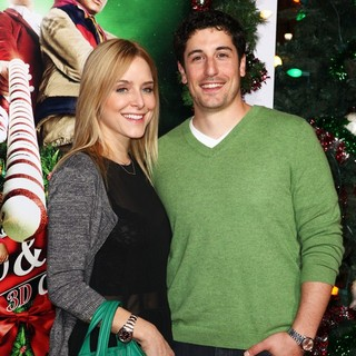 Jenny Mollen, Jason Biggs in The Premiere of A Very Harold and Kumar 3D Christmas