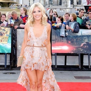 Mollie King, The Saturdays in Harry Potter and the Deathly Hallows Part II World Film Premiere - Arrivals