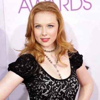 Molly C. Quinn in People's Choice Awards 2013 - Red Carpet Arrivals