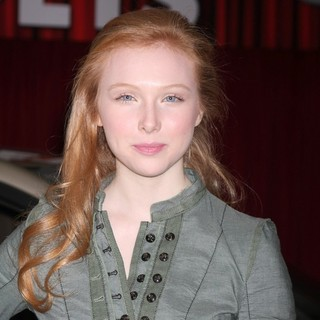 Molly C. Quinn in The Premiere of Walt Disney Pictures' The Muppets - Arrivals - molly-c-quinn-premiere-the-muppets-01