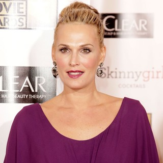 Molly Sims in 18th Annual Critics' Choice Movie Awards - molly-sims-18th-annual-critics-choice-movie-awards-03