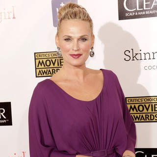 Molly Sims in 18th Annual Critics' Choice Movie Awards - molly-sims-18th-annual-critics-choice-movie-awards-04
