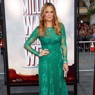 Molly Sims in Universal Pictures and MRC World Premiere A Million Ways to Die in the West