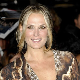 Molly Sims in The Premiere of The Twilight Saga's Breaking Dawn Part II - molly-sims-premiere-breaking-dawn-2-03