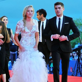 Maika Monroe, Zac Efron in The 69th Venice Film Festival - At Any Price - Premiere - Red Carpet