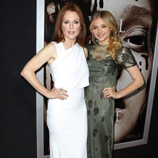 Julianne Moore, Chloe Moretz in Premiere of Metro-Goldwyn-Mayer Pictures' and Screen Gems' Carrie