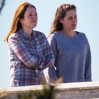On The Set of Still Alice - moore-stewart-on-the-set-still-alice-01