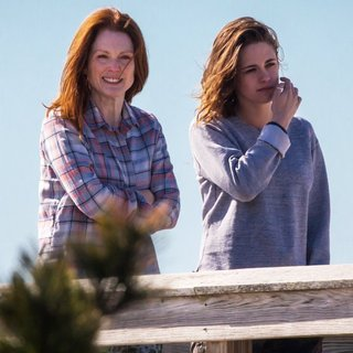 On The Set of Still Alice - moore-stewart-on-the-set-still-alice-03