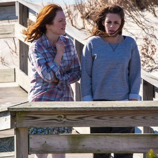 On The Set of Still Alice - moore-stewart-on-the-set-still-alice-08