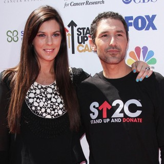 Jenna Morasca, Ethan Zohn in Stand Up To Cancer 2012 - Arrivals