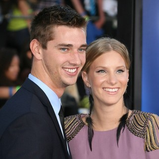 Heather Morris, Taylor Hubbell in The World Premiere of  Glee: The 3D Concert Movie