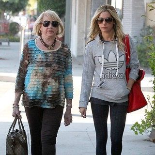 Lisa Morris, Ashley Tisdale in Ashley Tisdale and Lisa Morris Head to Their Local Polling Site to Place Their Vote