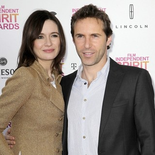 Emily Mortimer, Alessandro Nivola in 2013 Film Independent Spirit Awards - Arrivals