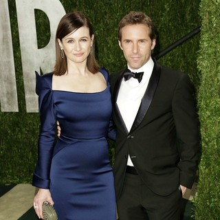 Emily Mortimer, Alessandro Nivola in 2013 Vanity Fair Oscar Party - Arrivals
