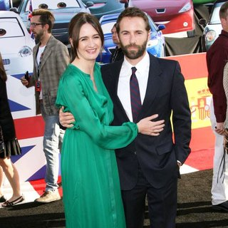 Emily Mortimer, Alessandro Nivola in The Los Angeles Premiere of Cars 2 - Arrivals