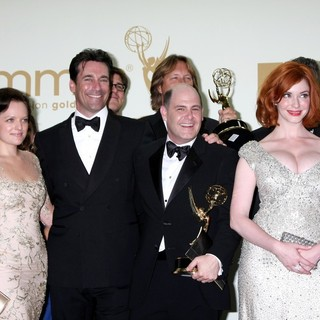 Elisabeth Moss, Jon Hamm, Matthew Weiner, Christina Hendricks in The 63rd Primetime Emmy Awards - Press Room
