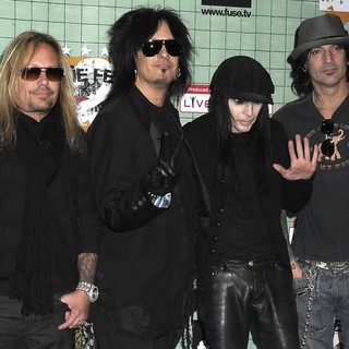 Motley Crue in The Crue Fest 2 Line Up Press Conference