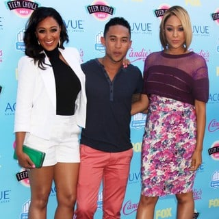 Tamera Mowry, Tahj Mowry, Tia Mowry in 2013 Teen Choice Awards