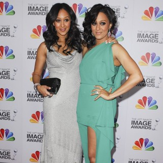 Tamera Mowry, Tia Mowry in The 43rd Annual NAACP Awards - Arrivals