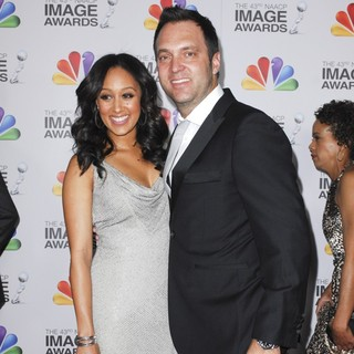 Tamera Mowry, Adam Housley in The 43rd Annual NAACP Awards - Arrivals
