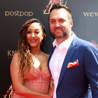 Tamera Mowry, Adam Housley in 46th Annual Daytime Emmy Awards - Arrivals