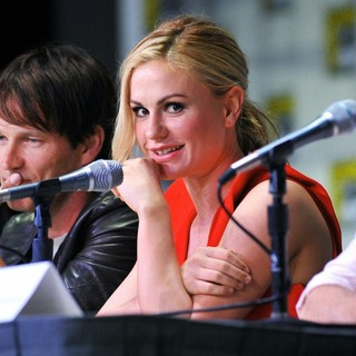 Stephen Moyer, Anna Paquin in 2011 Comic Con Convention - Day 2 - True Blood - Press Conference
