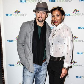 Jason Mraz, Melanie Fiona in Cyndi Lauper and Friends: Home for The Holiday's Concert - Arrivals