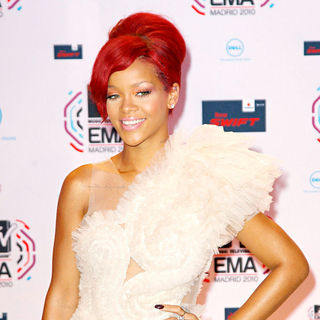 Rihanna in MTV Europe Music Awards 2010 - Arrivals