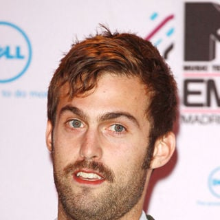 Chris Tomson, Vampire Weekend in MTV Europe Music Awards 2010 - Arrivals