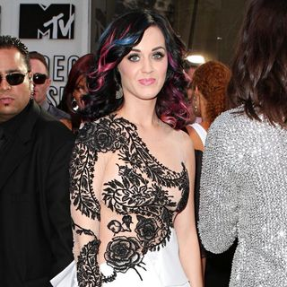 Katy Perry in The 2010 MTV Video Music Awards (MTV VMAs) - Arrivals