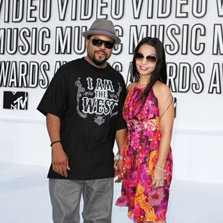 Ice Cube, Kimberly Woodruff in The 2010 MTV Video Music Awards (MTV VMAs) - Arrivals