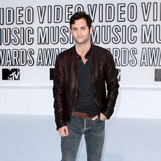 Penn Badgley in The 2010 MTV Video Music Awards (MTV VMAs) - Arrivals
