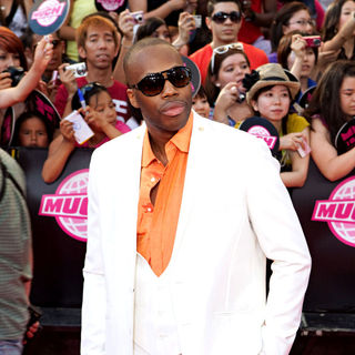 Kardinal Offishall in 2010 MuchMusic Video Awards - Red Carpet Arrivals