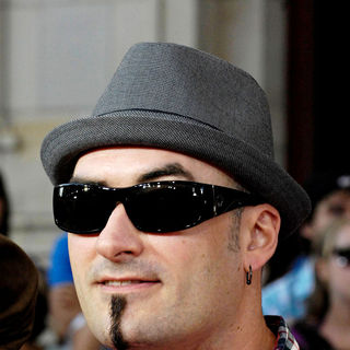 Hedley in 2010 MuchMusic Video Awards - Red Carpet Arrivals - muchmusic_arrivals_027_wenn2896784