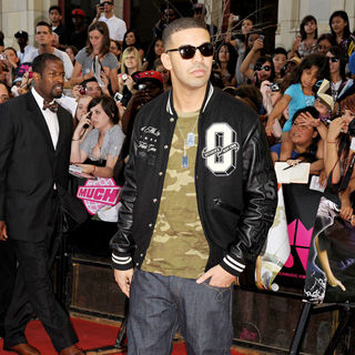 Drake in 2010 MuchMusic Video Awards - Red Carpet Arrivals