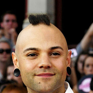Dave Rosin, Hedley in 2010 MuchMusic Video Awards - Red Carpet Arrivals