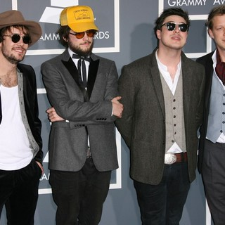Mumford & Sons in The 53rd Annual GRAMMY Awards - Red Carpet Arrivals