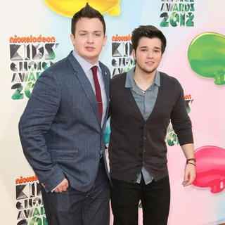 Noah Munck, Nathan Kress in 2012 Kids' Choice Awards - Arrivals