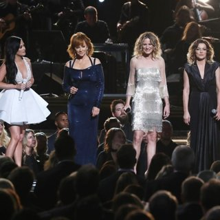Kacey Musgraves, Reba McEntire, Jennifer Nettles, Martina McBride, Carrie Underwood in 50th Annual CMA Awards - Performances
